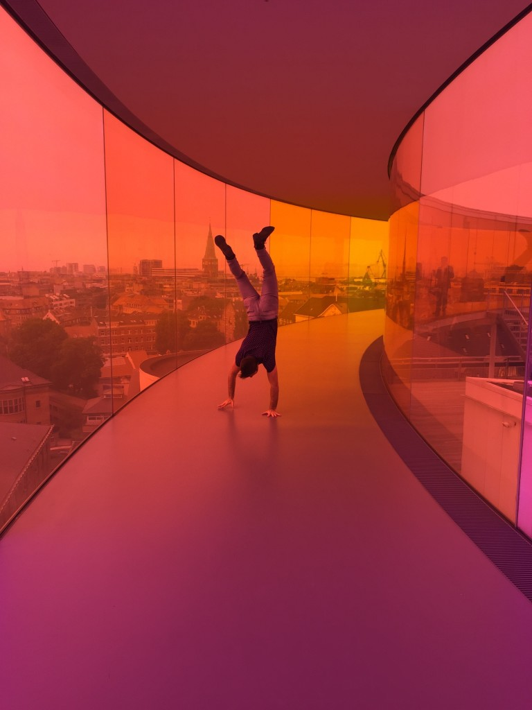 aros rainbow panorama orange and red