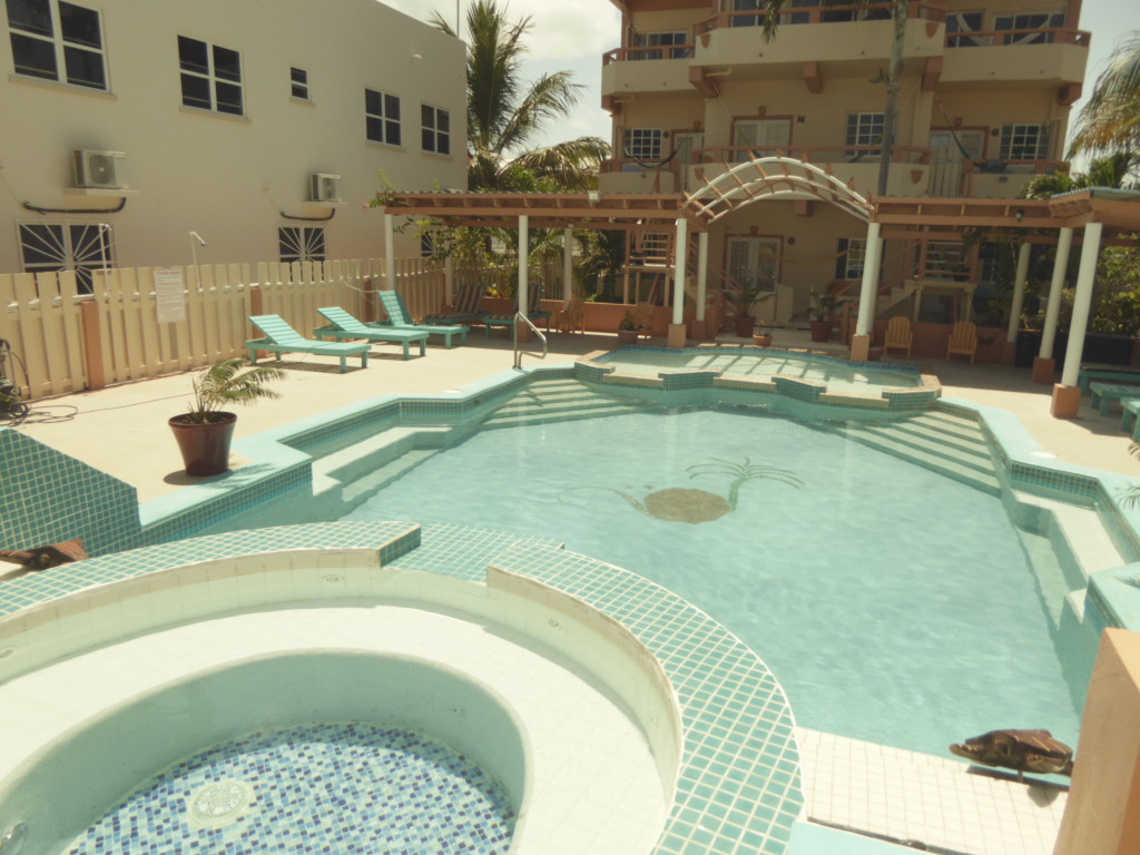 Island Magic Beach Resort swimming pool