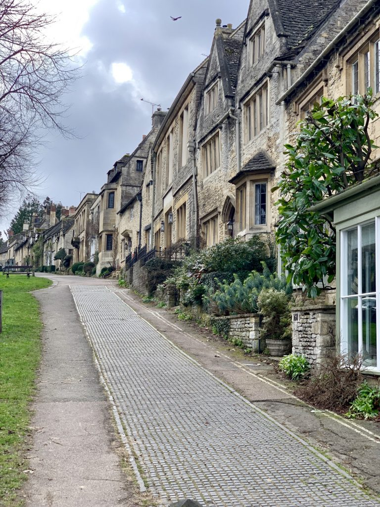 walking around Burford, dog friendly Cotswolds