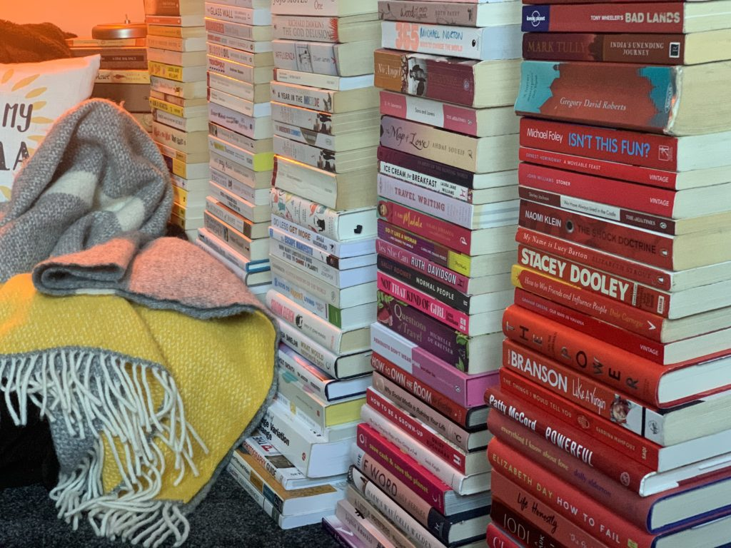 Creating a reading nook without bookshelves